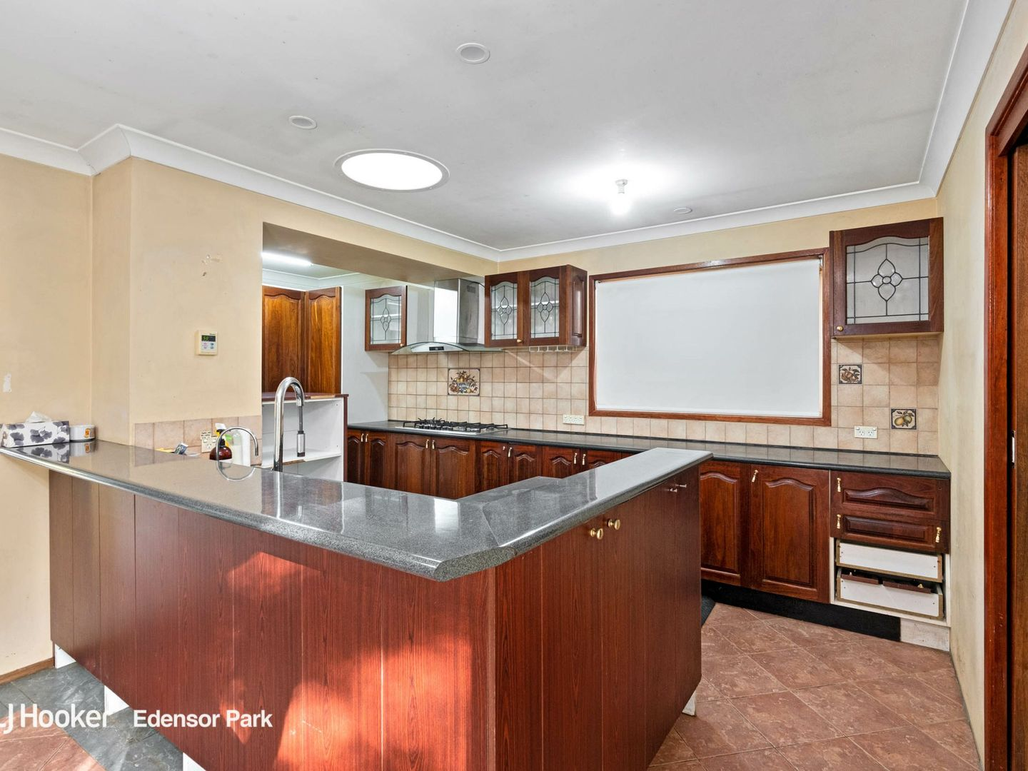 13 Glen Elgin Crescent, Edensor Park NSW 2176, Image 2
