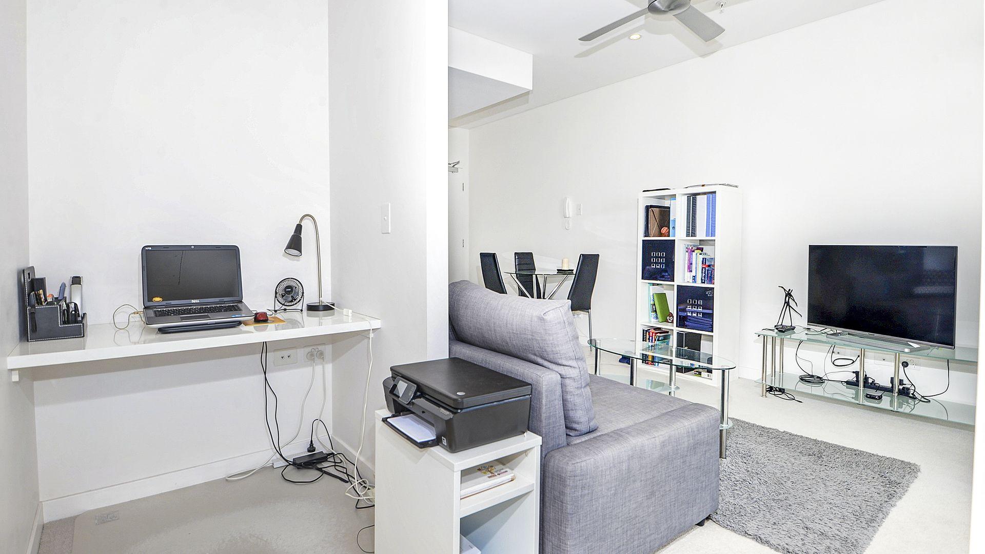 1135/16 Hamilton Place, Bowen Hills QLD 4006, Image 2