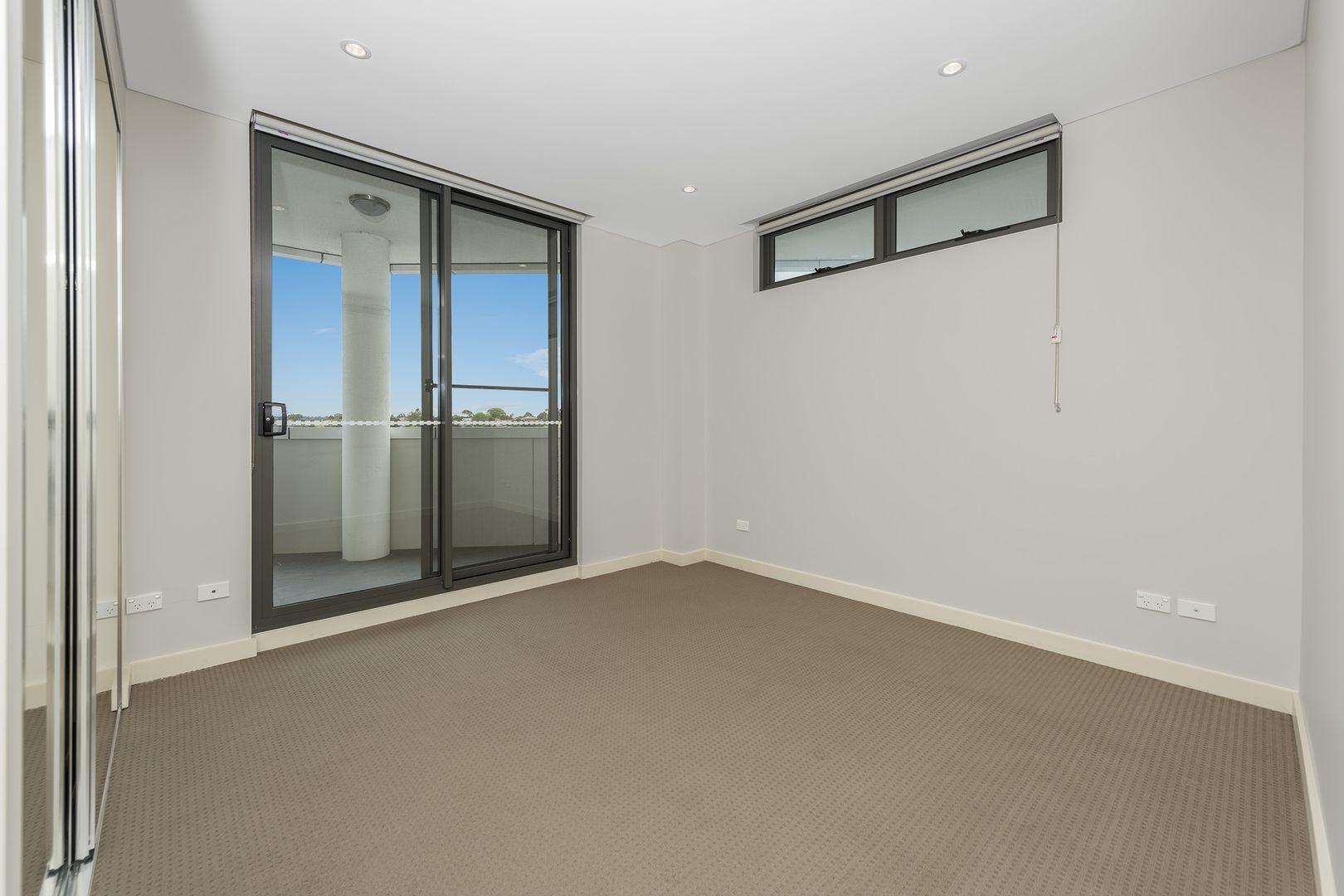 724/1-3 Nipper Street, Homebush NSW 2140, Image 2