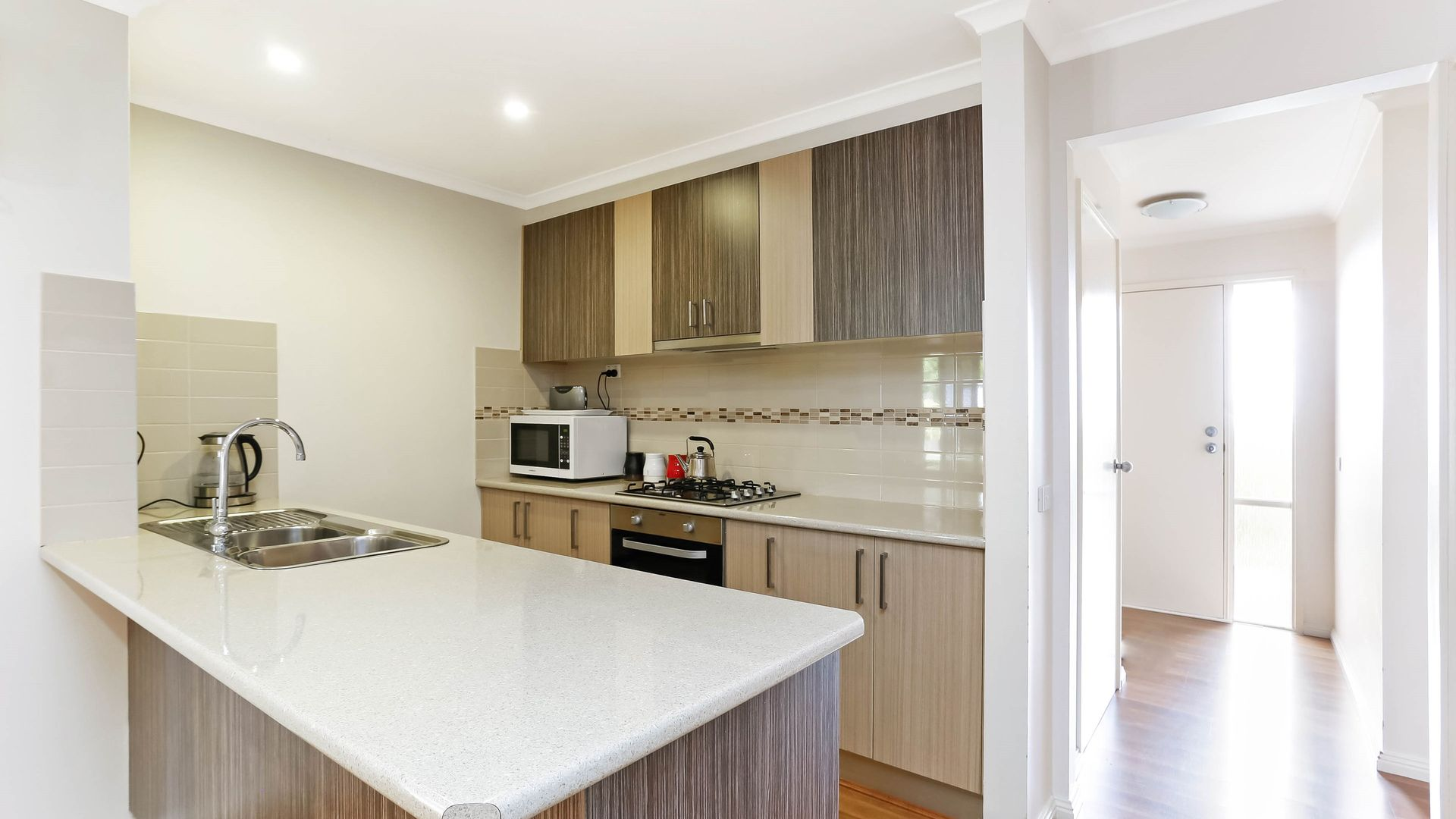 15 Manna Court, Meadow Heights VIC 3048, Image 2