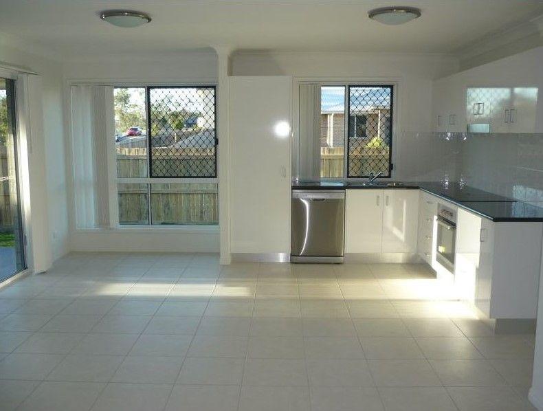 5 Blackburn Court, Kirkwood QLD 4680, Image 2