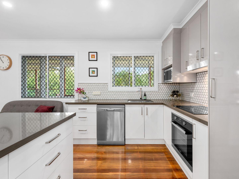 7 Cooradilla Street, Jindalee QLD 4074, Image 1
