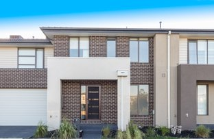 9 Birchmore Place, Clyde North VIC 3978