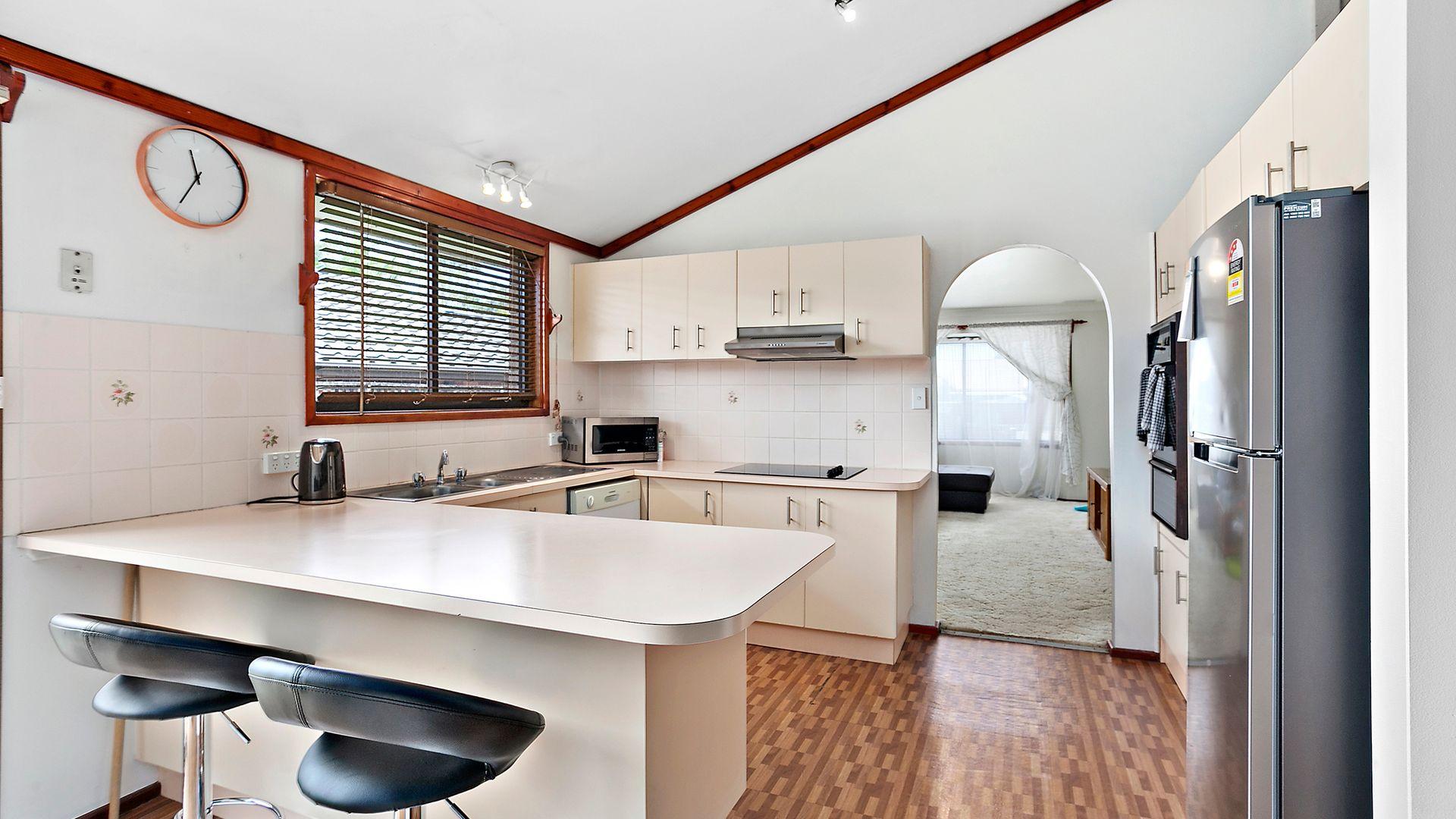 46 Huxley Drive, Horsley NSW 2530, Image 1