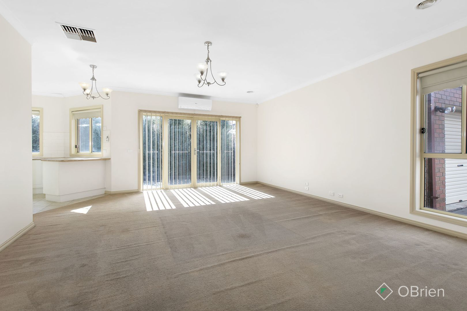 2/4 Hyperno Court, Keilor Downs VIC 3038, Image 2