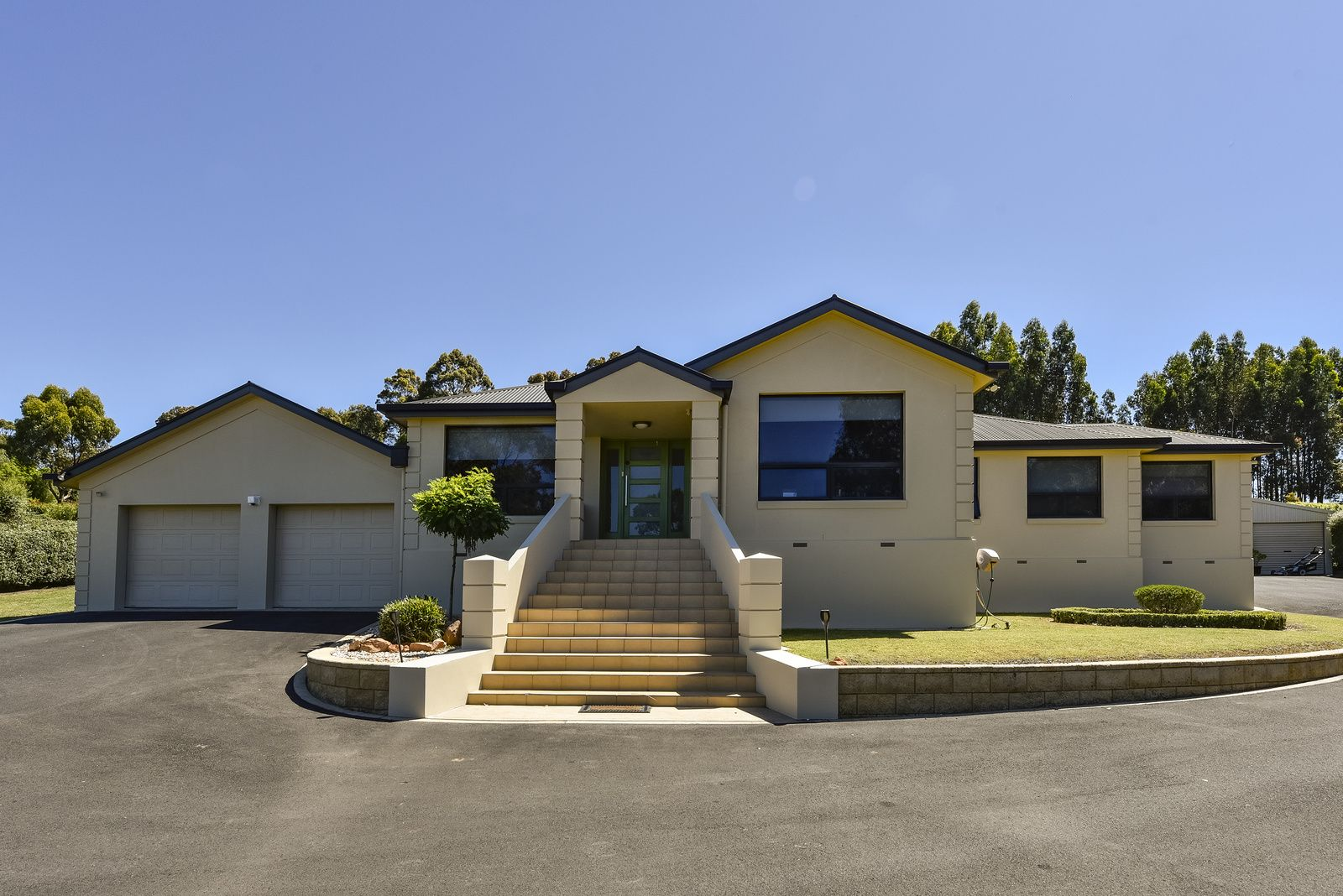 4 Fairway Court, Worrolong SA 5291, Image 0