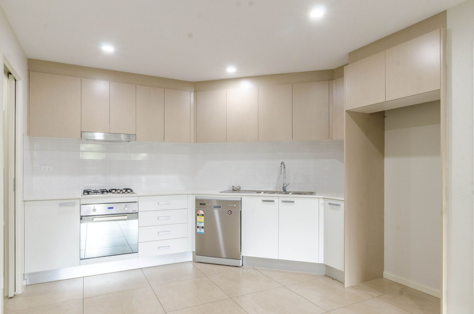 3/38 Chamberlain Street, Campbelltown NSW 2560, Image 2