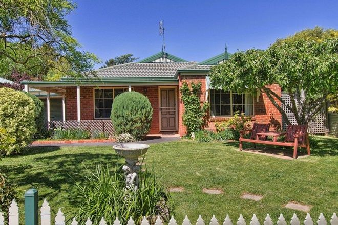 Picture of 30 Davy Street, WOODEND VIC 3442