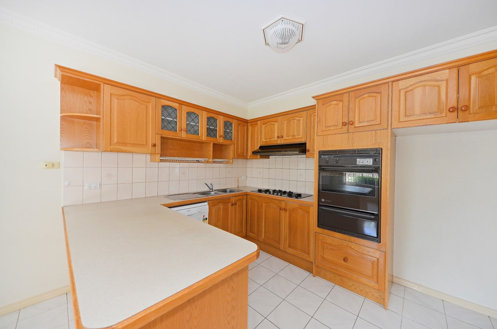 1/6 Hinkler Road, Glen Waverley VIC 3150, Image 1