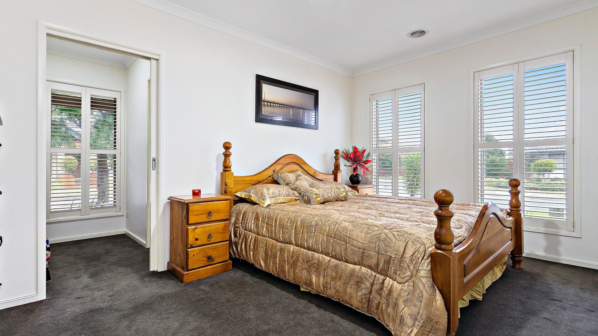 15 Cloverfield Crescent, Wollert VIC 3750, Image 2