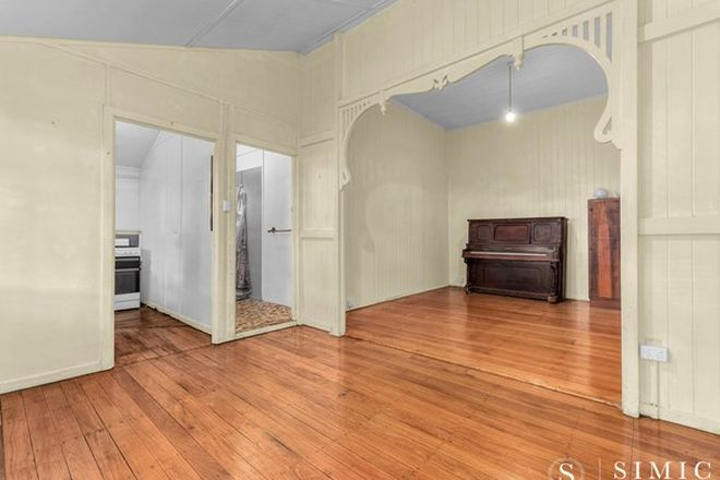 Picture of 4/37 Mansted Street, HOLLAND PARK WEST QLD 4121