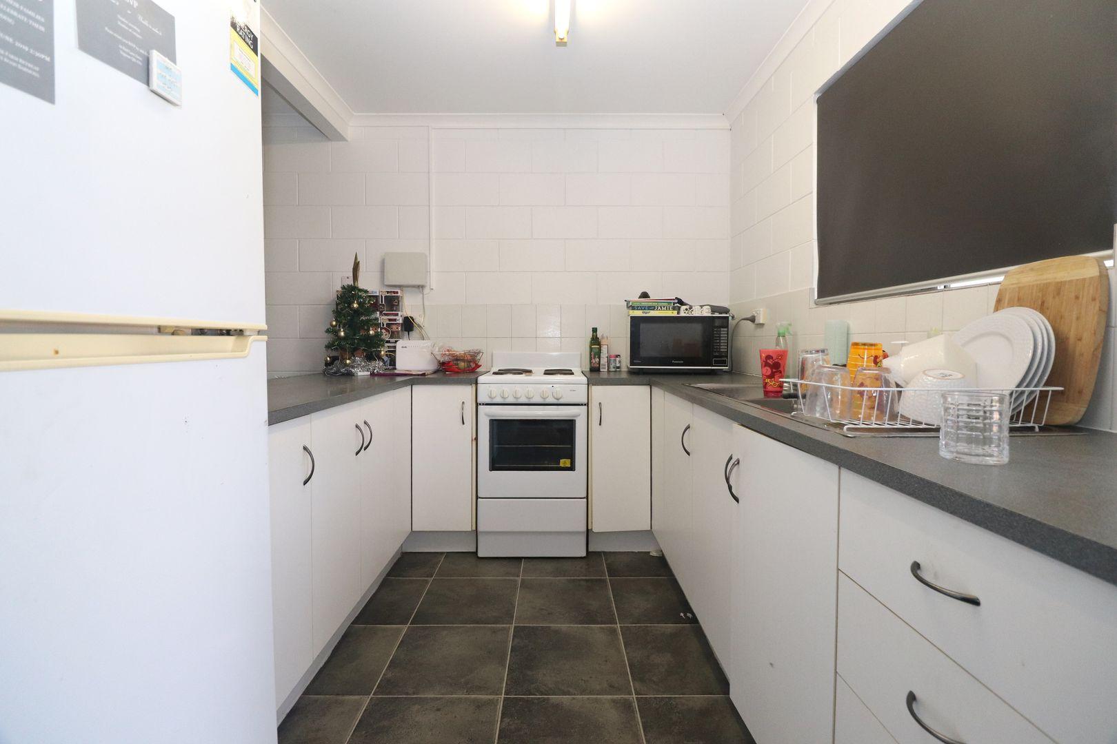 11/21-23 Landsborough Street, North Ward QLD 4810, Image 2