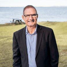 Alister Currie, Sales representative