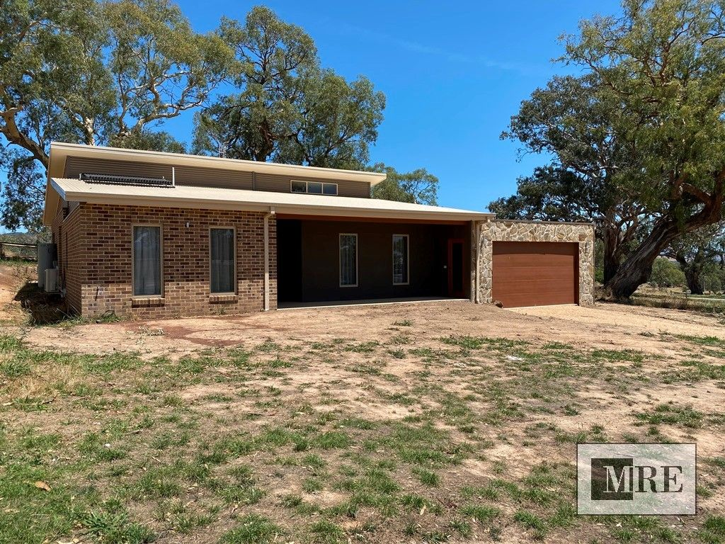 4 Oaksford Drive, Mansfield VIC 3722, Image 1