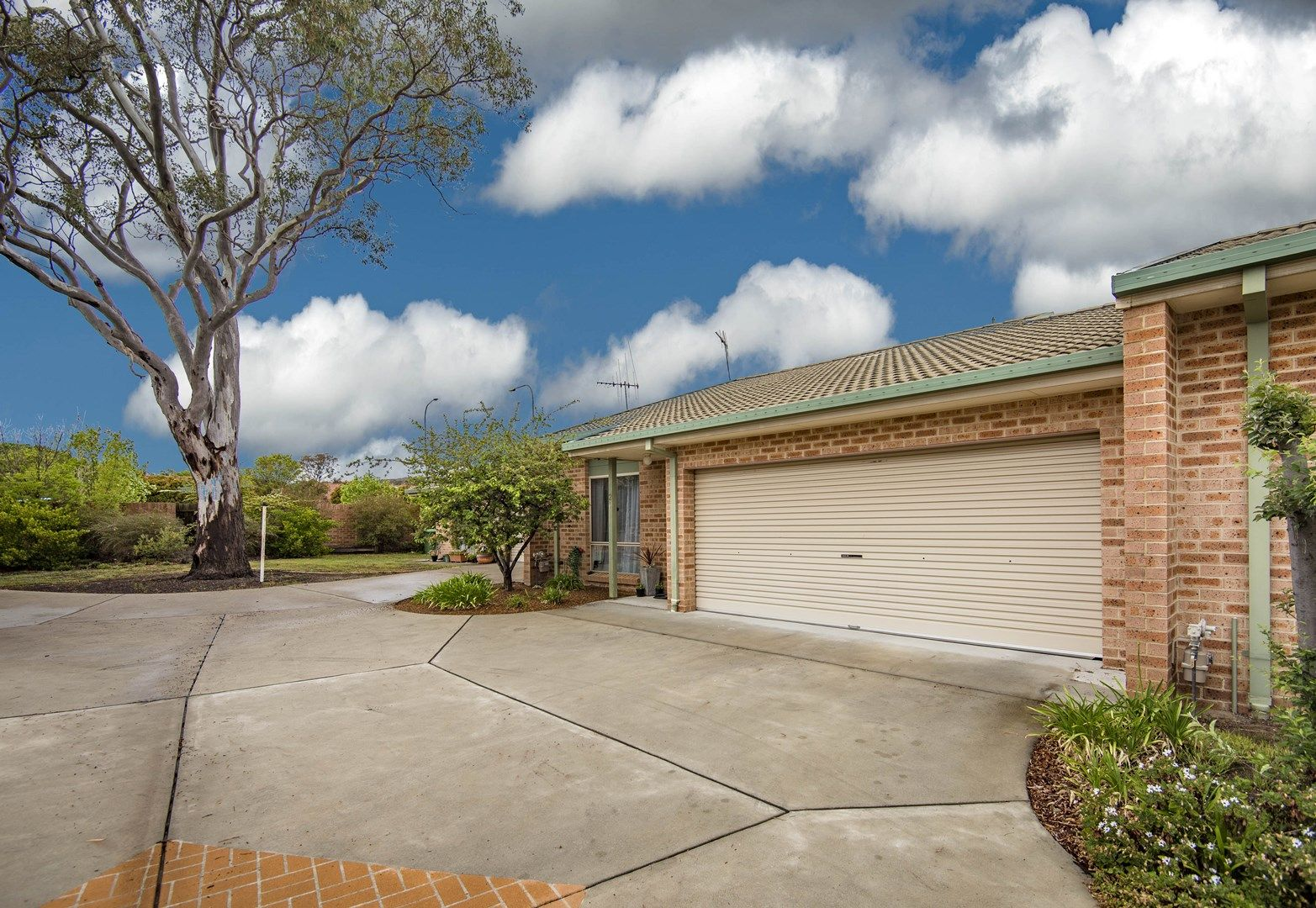 2/16-18 Laurel Place, Jerrabomberra NSW 2619, Image 0