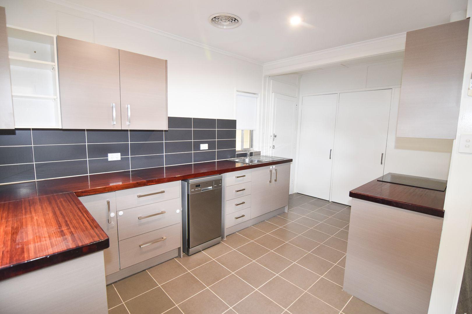 150 KITCHENER ROAD, Temora NSW 2666, Image 2