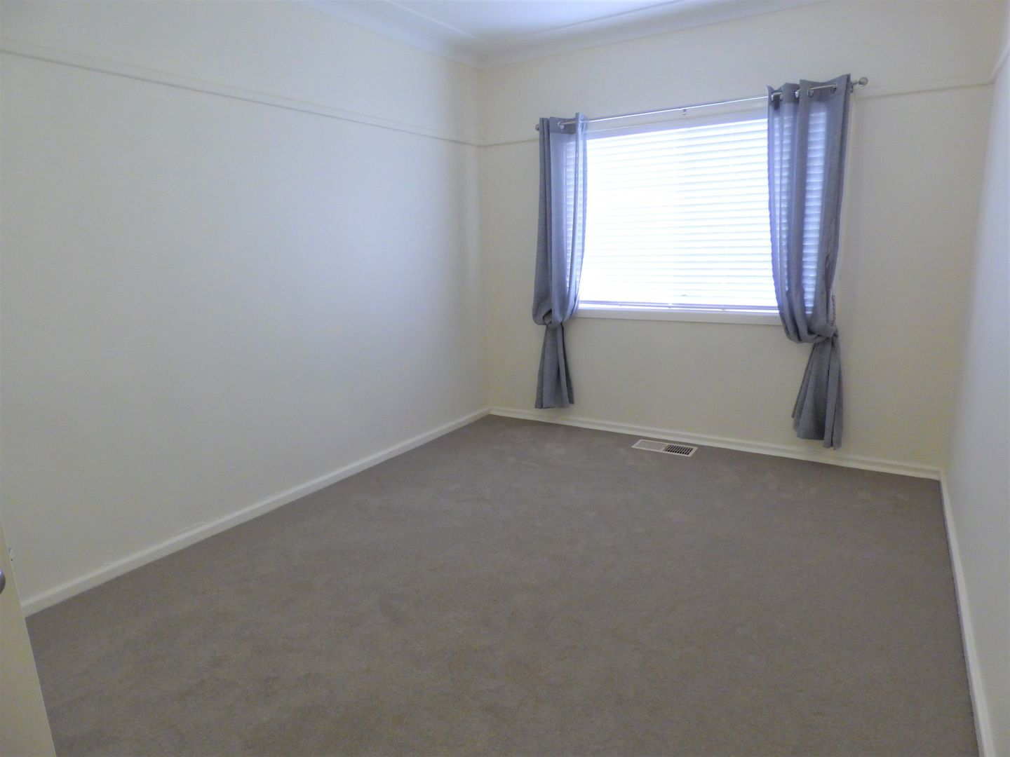 49 Curtin Street, Griffith NSW 2680, Image 2