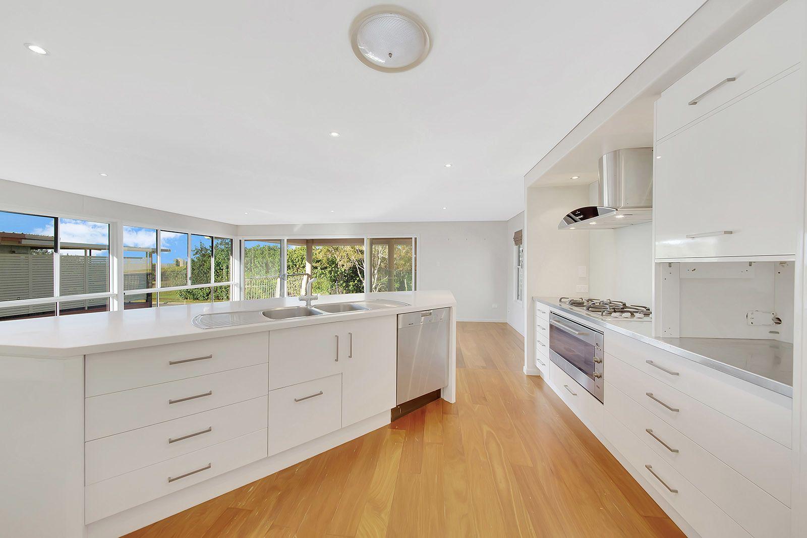 3 Colyer Avenue, Tannum Sands QLD 4680, Image 2