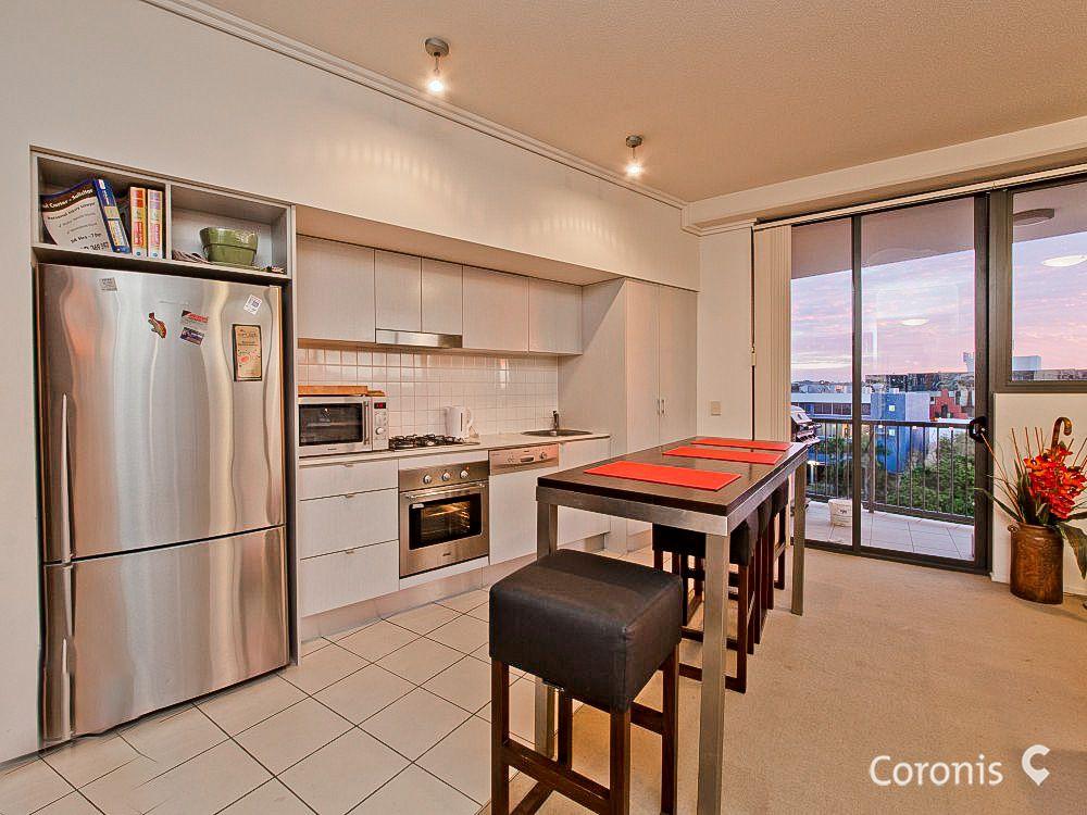 1075/18 Manning Street, Milton QLD 4064, Image 2