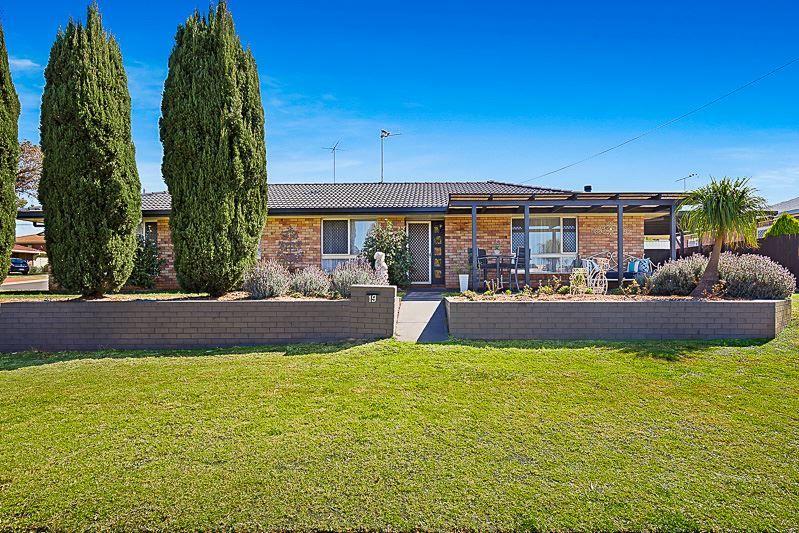 19 Lemway Avenue, Kearneys Spring QLD 4350, Image 0
