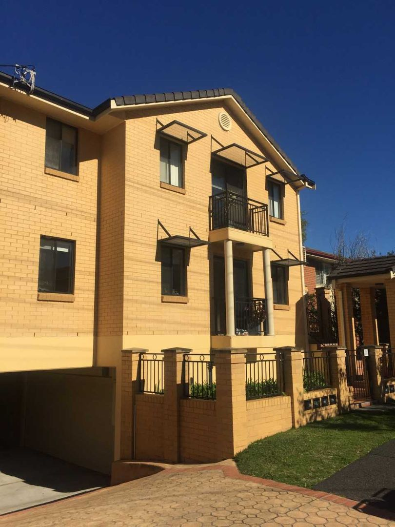 4/15 Campbell Street, Wollongong NSW 2500, Image 2