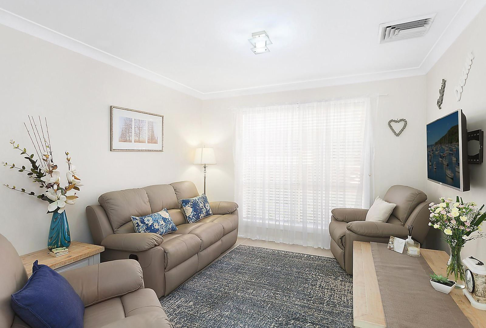 1/156 Albany Street, Point Frederick NSW 2250, Image 1
