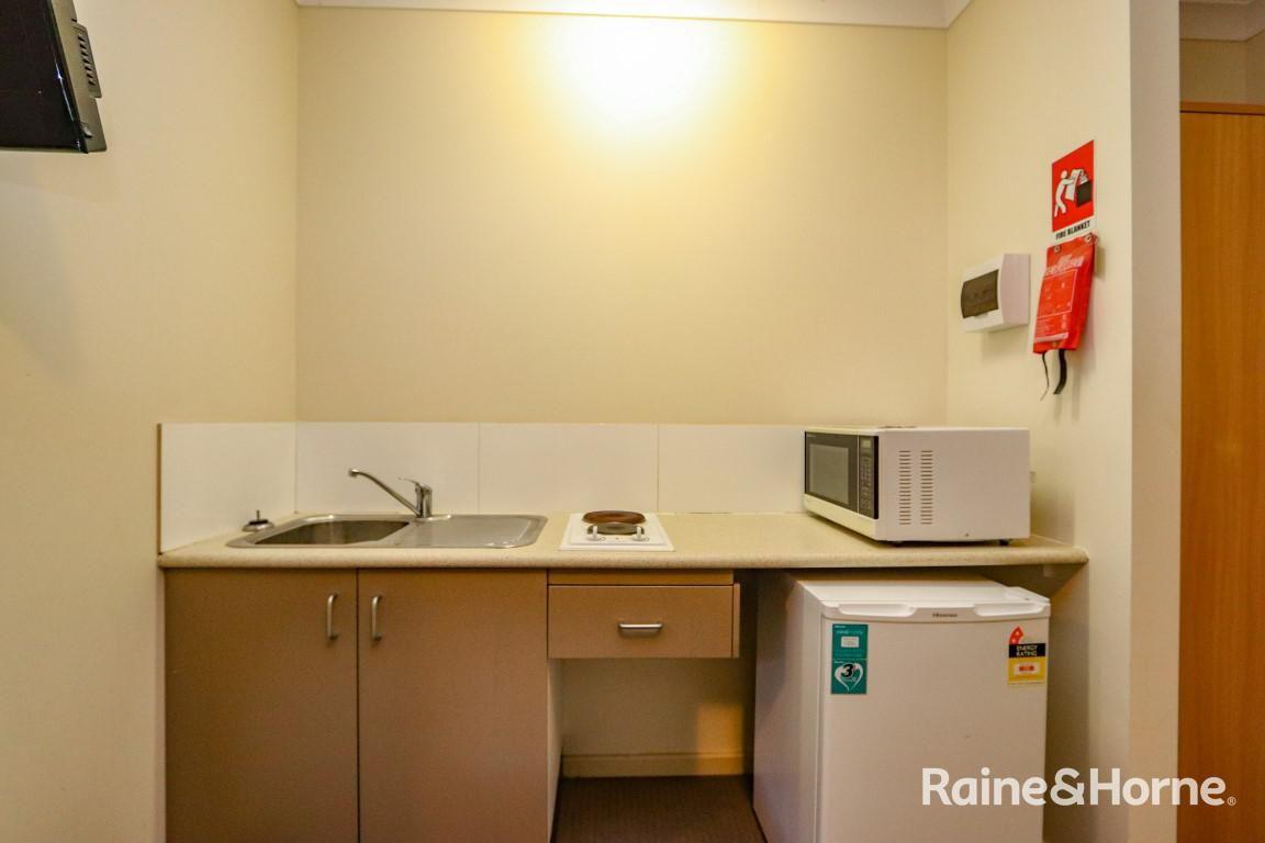 6/197a Browning, Bathurst NSW 2795, Image 2