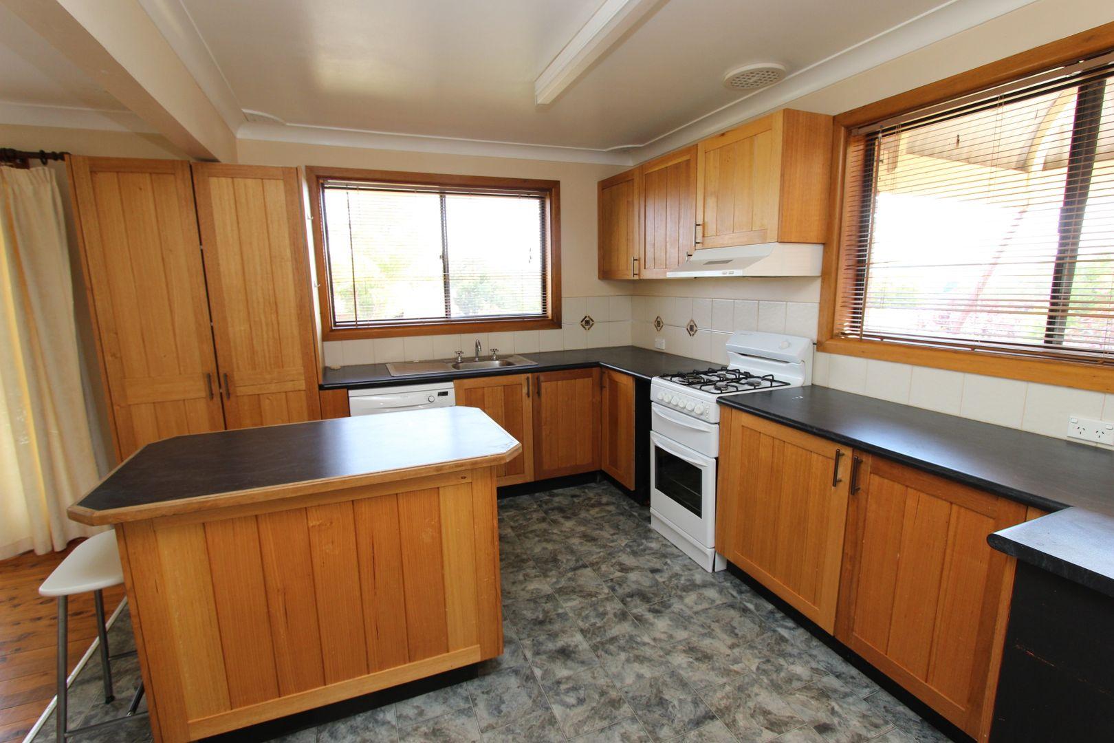 5 Bassett Drive, West Bathurst NSW 2795, Image 1