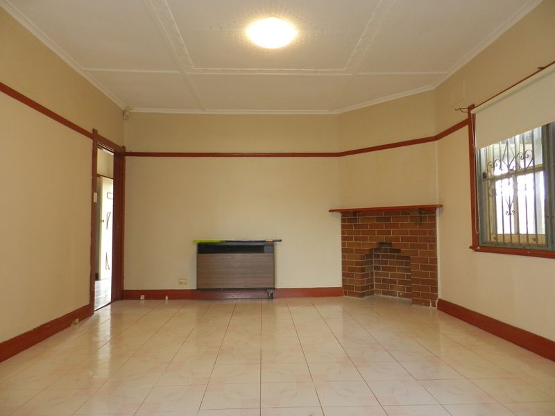 104 Torrens St, Canley Heights NSW 2166, Image 0
