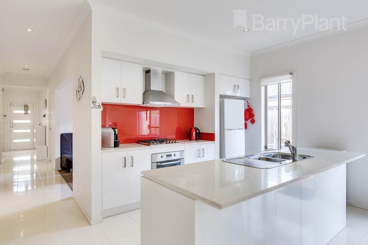 27 Courtney Drive, Sunbury VIC 3429, Image 1