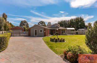 29 Earlston Circuit, Cranbourne VIC 3977