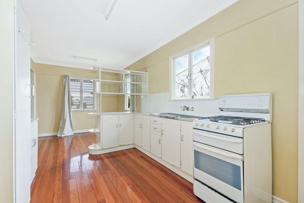 13 Glanmire Street, Paddington QLD 4064, Image 2