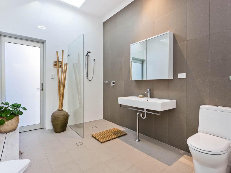 89 King Street, East Fremantle WA 6158, Image 2