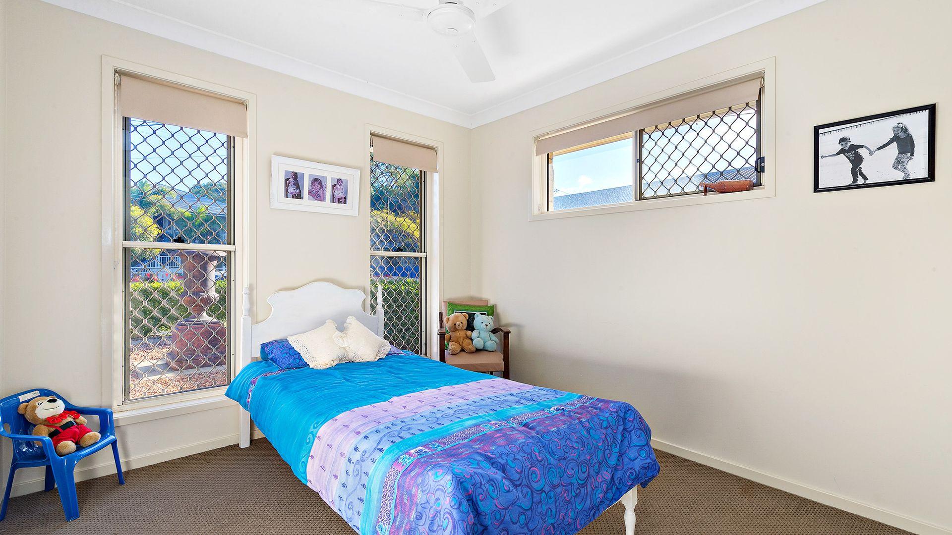 16 Emily Street, Deagon QLD 4017, Image 2
