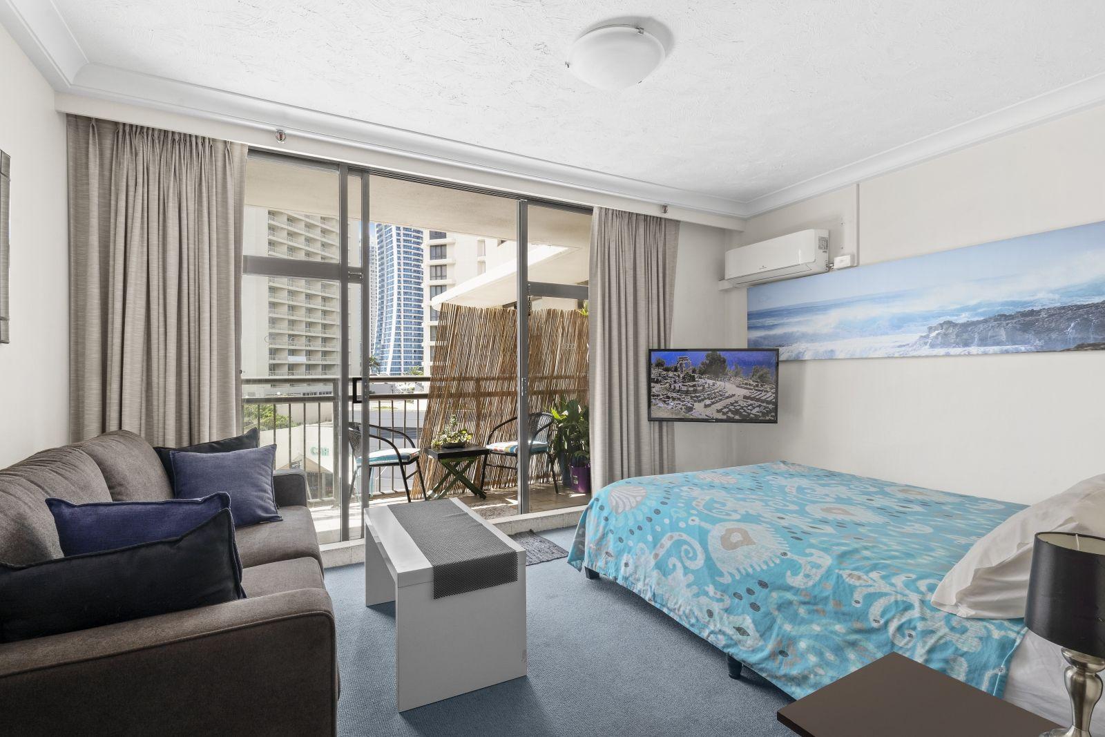 708/18 Hanlan Street, Surfers Paradise QLD 4217, Image 2