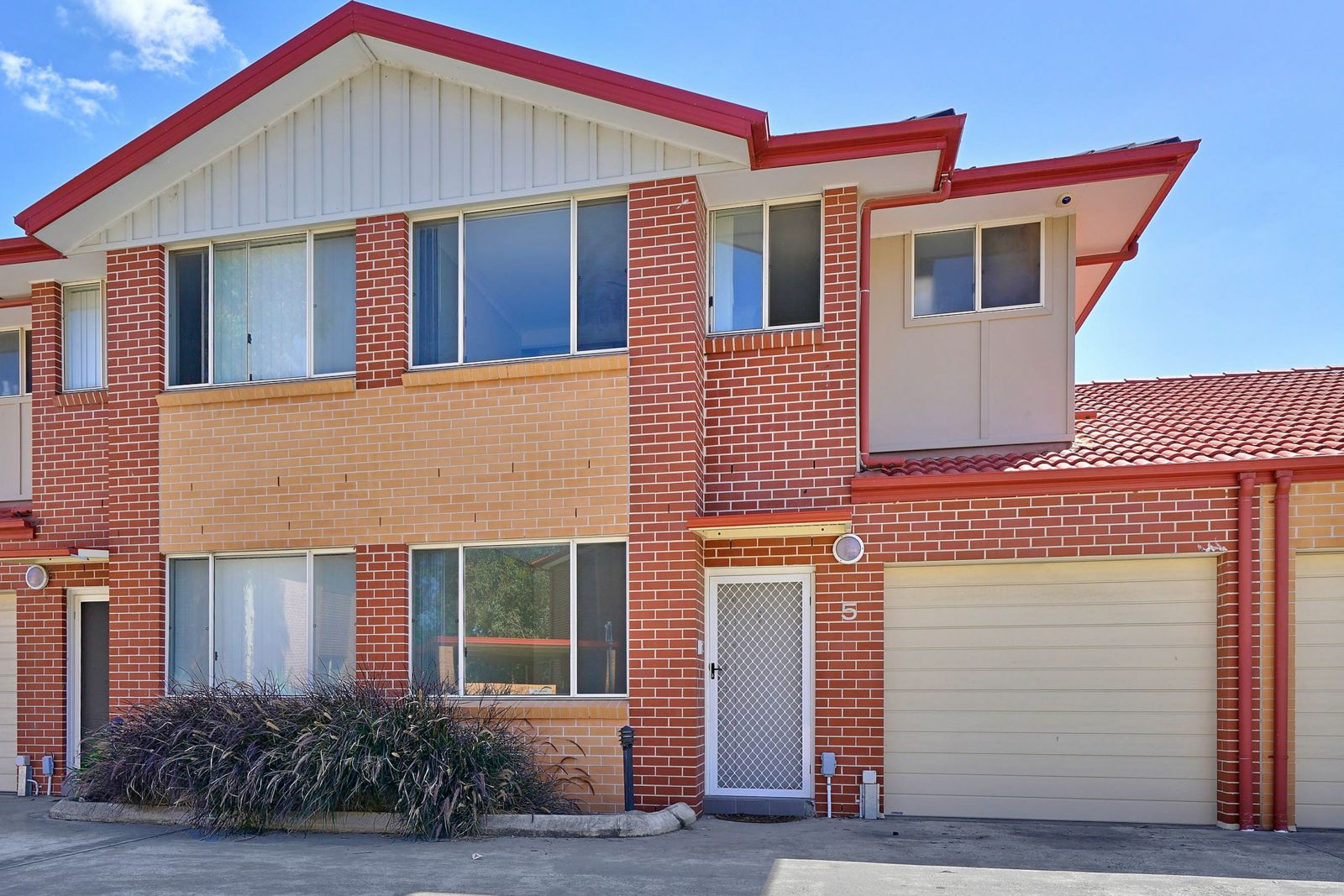 5/221A Waterworth Drive, Mount Annan NSW 2567, Image 0
