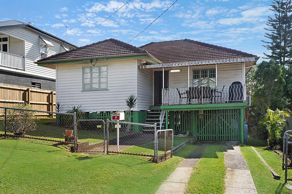 9 Barton st, Holland Park West QLD 4121, Image 0