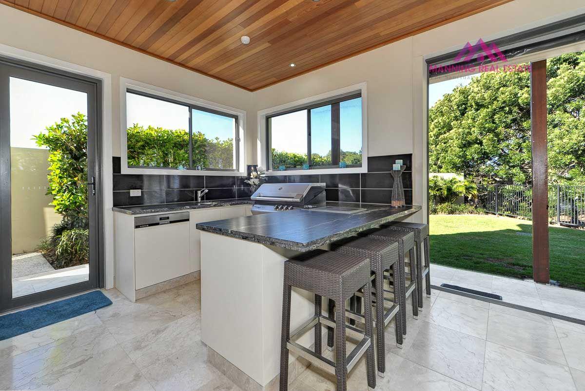 2266 Banksia Lakes Drive, Sanctuary Cove QLD 4212, Image 2