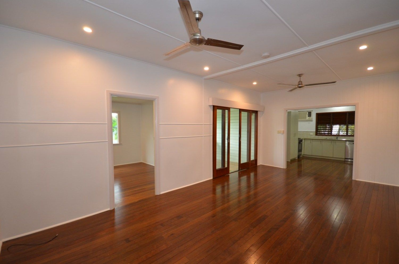 37 Collinson Street, Westcourt QLD 4870, Image 1