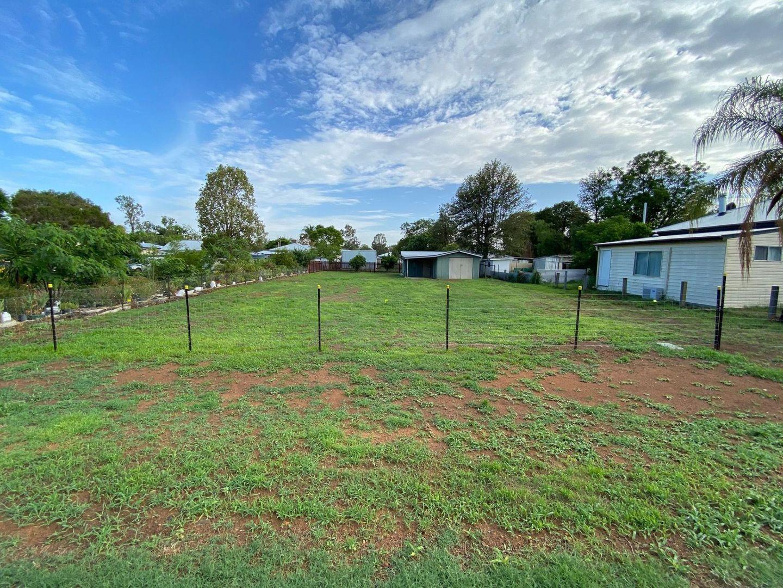 61 Durah St, Chinchilla QLD 4413, Image 2