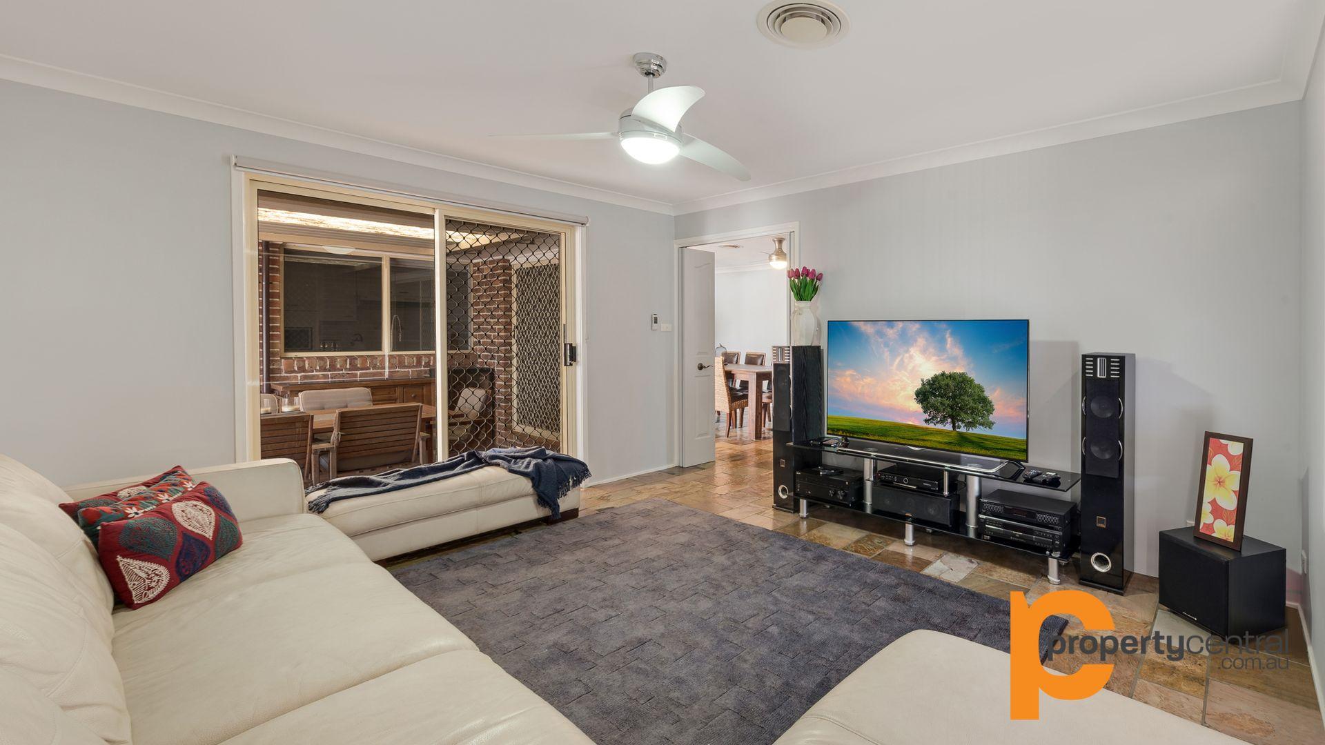 15 Richardson Place, Glenmore Park NSW 2745, Image 2