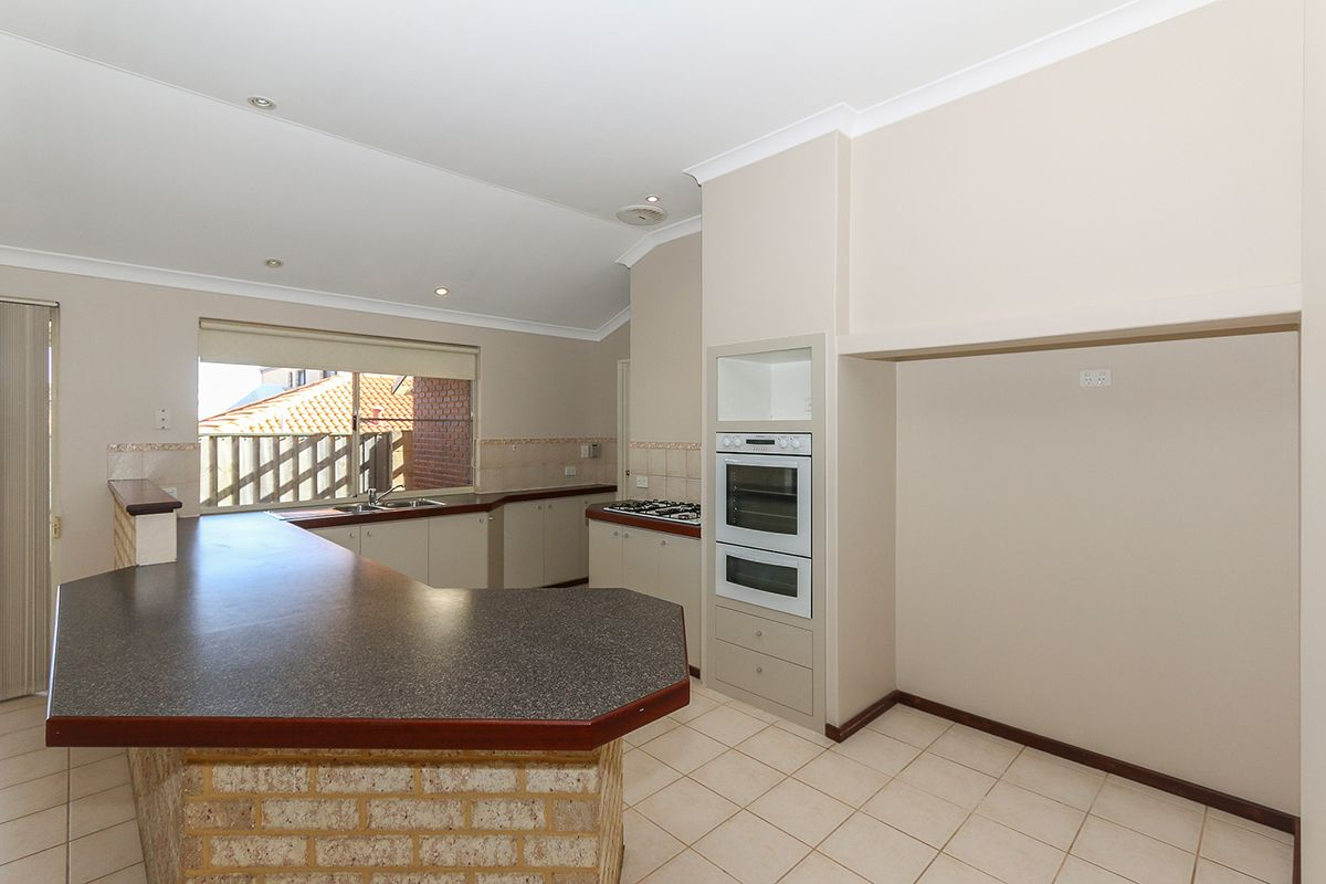 106 Rothesay Heights, Mindarie WA 6030, Image 2