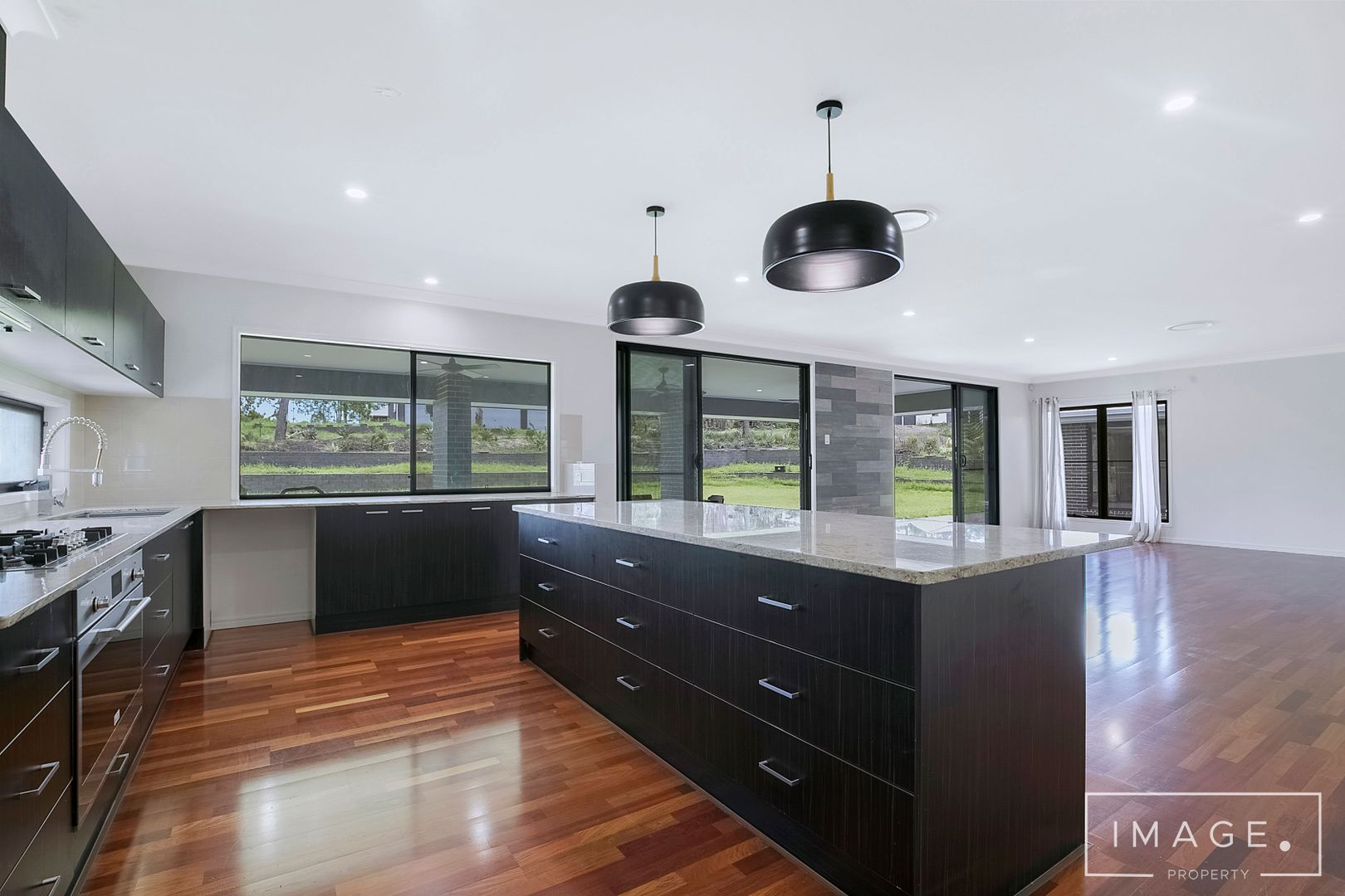 9-15 Dobell Court, New Beith QLD 4124, Image 2