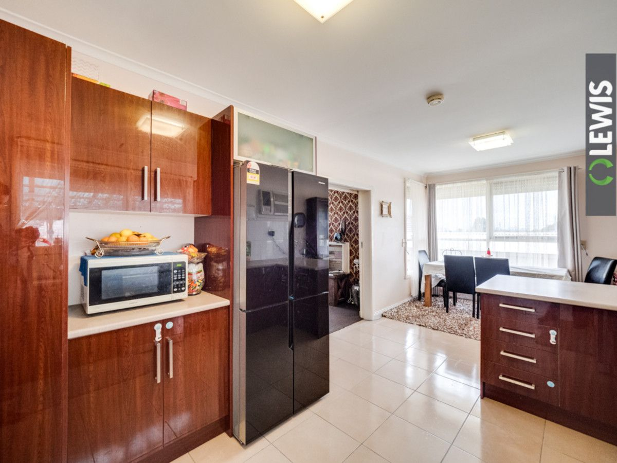 3 Maple Court, Campbellfield VIC 3061, Image 2