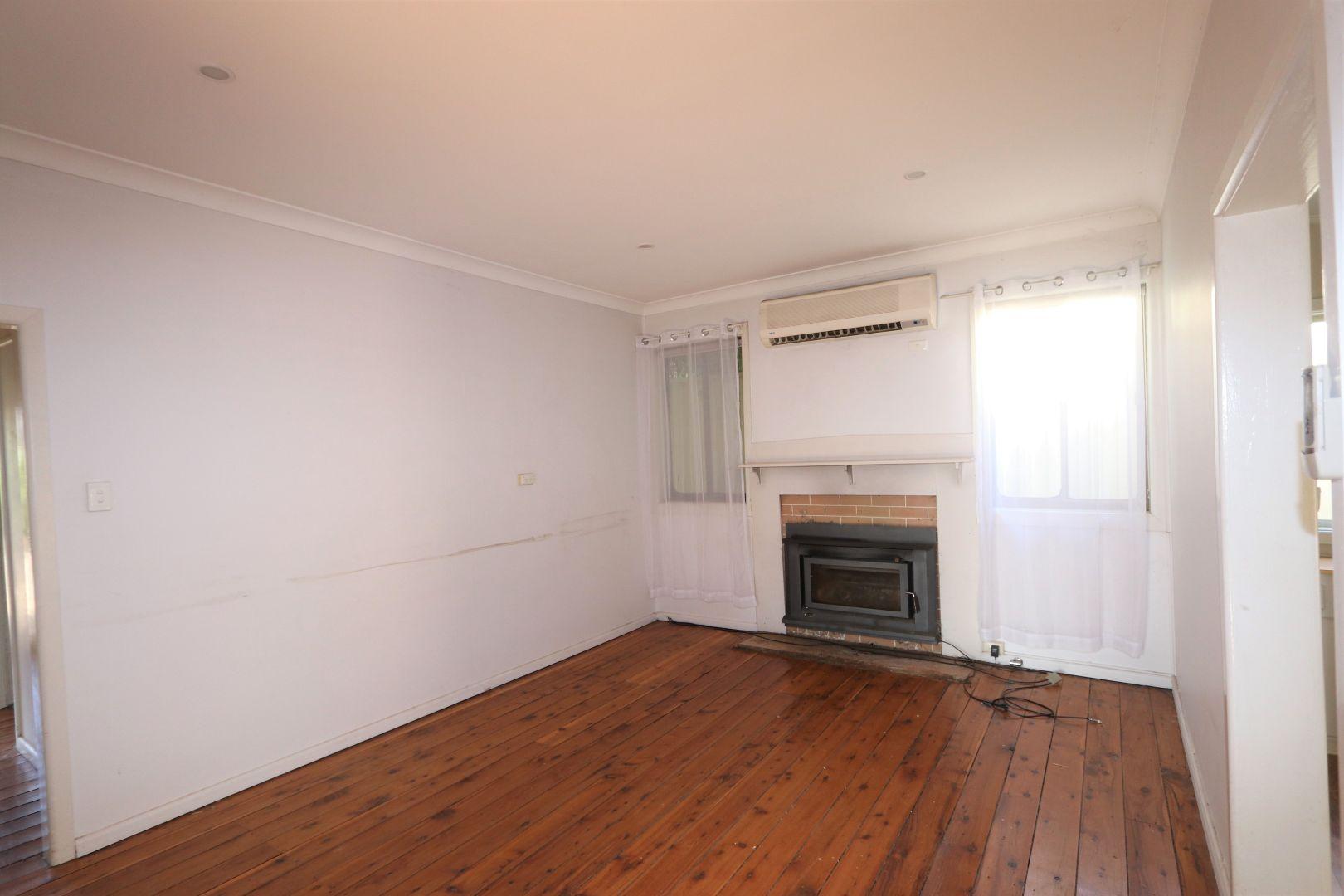 42 Golden Street, West Wyalong NSW 2671, Image 2