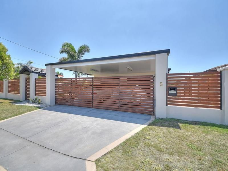 5 Mexicali Court, Broadbeach Waters QLD 4218, Image 0