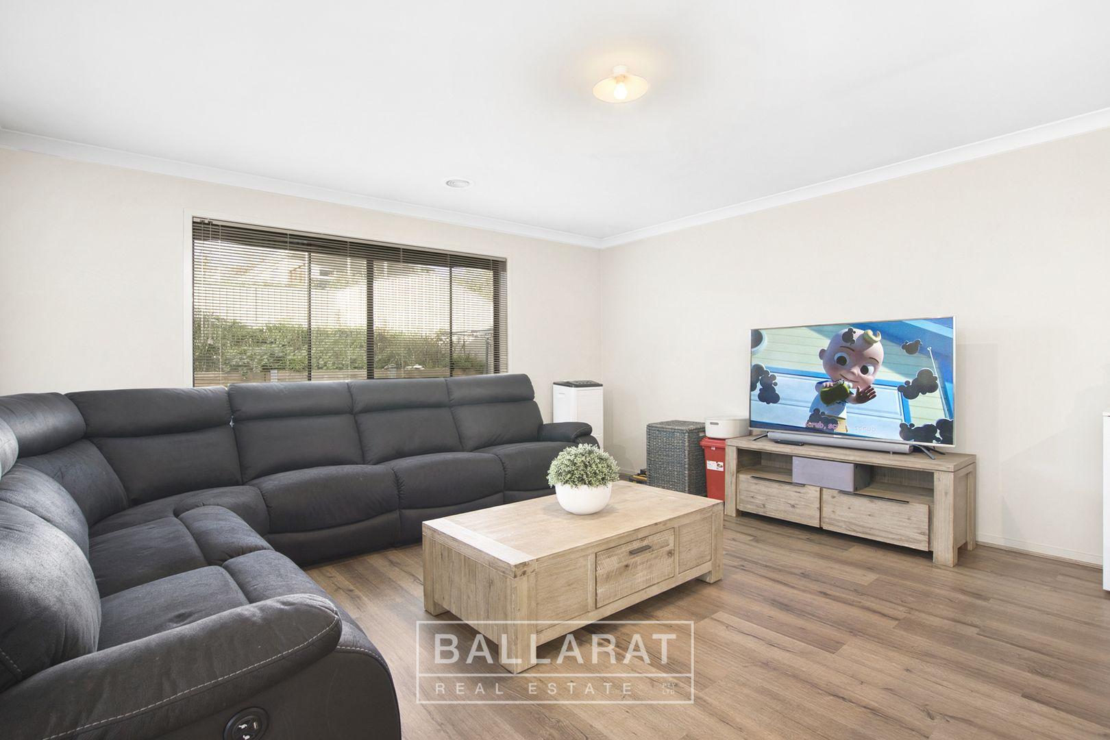 8 Gordon Street, Ballarat East VIC 3350, Image 2