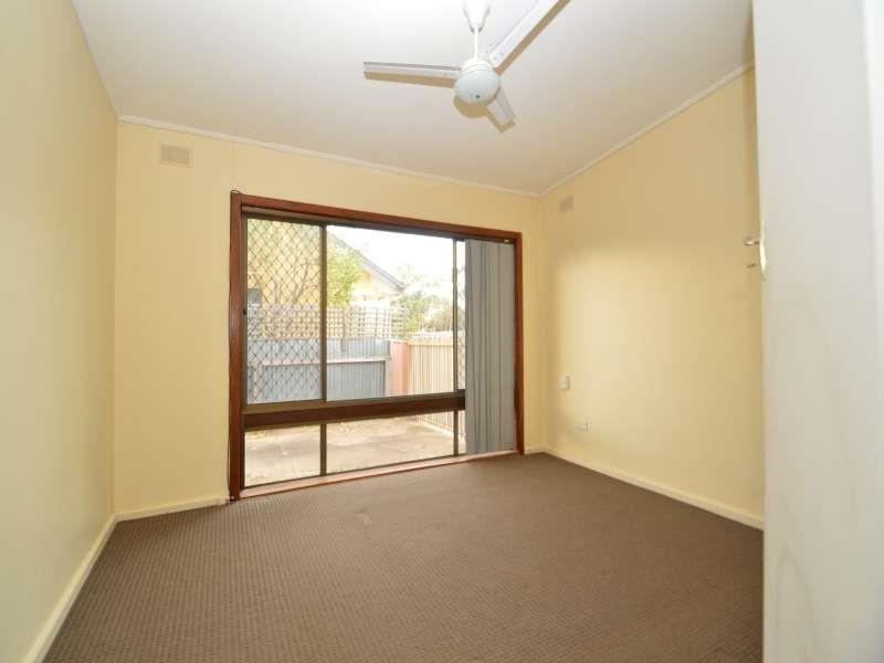 43 Rowe Avenue, Northfield SA 5085, Image 2