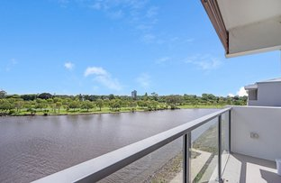 Picture of 73/3028 The Boulevard, Carrara QLD 4211