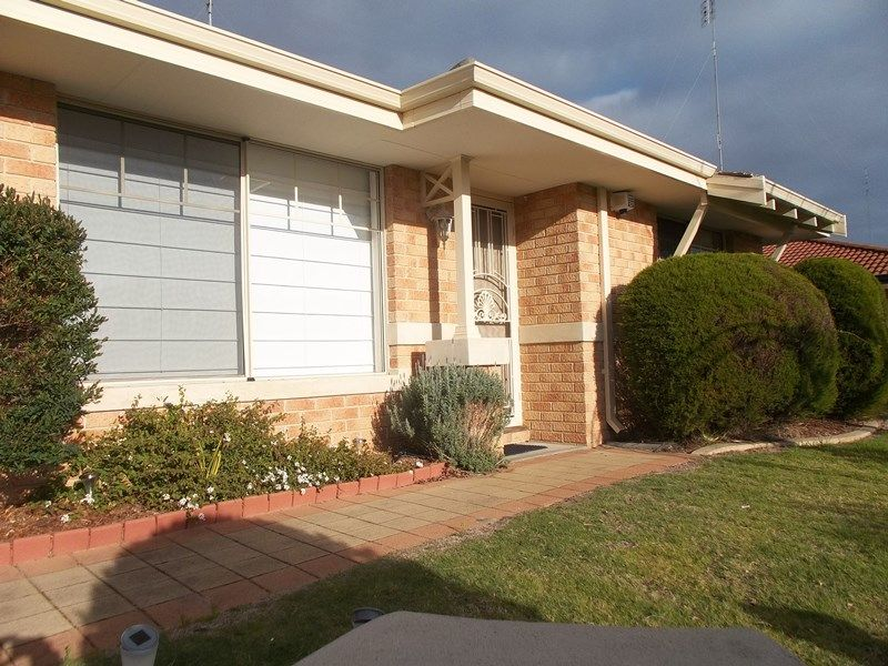 22 Oriel Court, College Grove WA 6230, Image 2